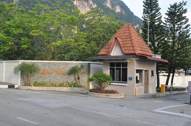 Sunway B City Homestay 1Km to LOST World of Tambun, holiday rental in Brinchang