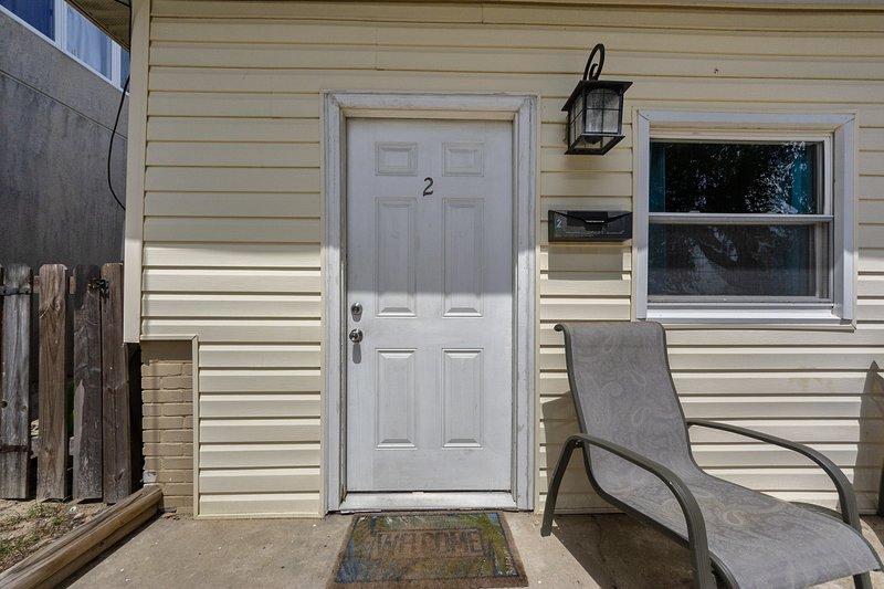 """Door"",""Furniture"",""Chair"",""Home Decor"",""Porch"""