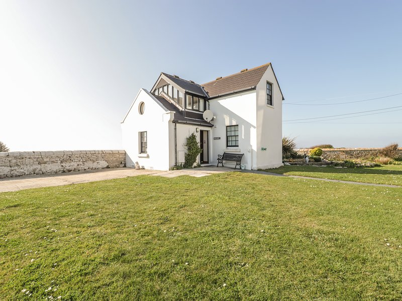 OLD HIGHER LIGHTHOUSE BRANSCOMBE LODGE, family friendly, character holiday, vacation rental in Isle of Portland