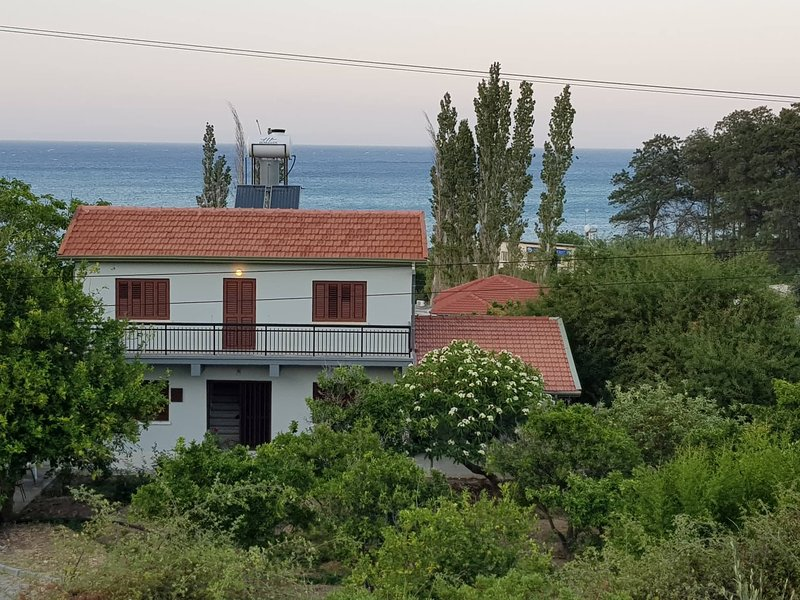 Fruit Garden by the Sea, holiday rental in Lania