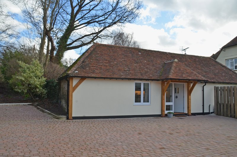 The Old Workshop, holiday rental in Fittleworth