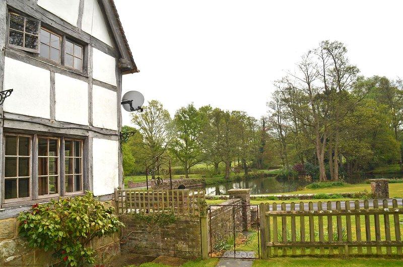 Kingfisher Cottage, holiday rental in Ardingly