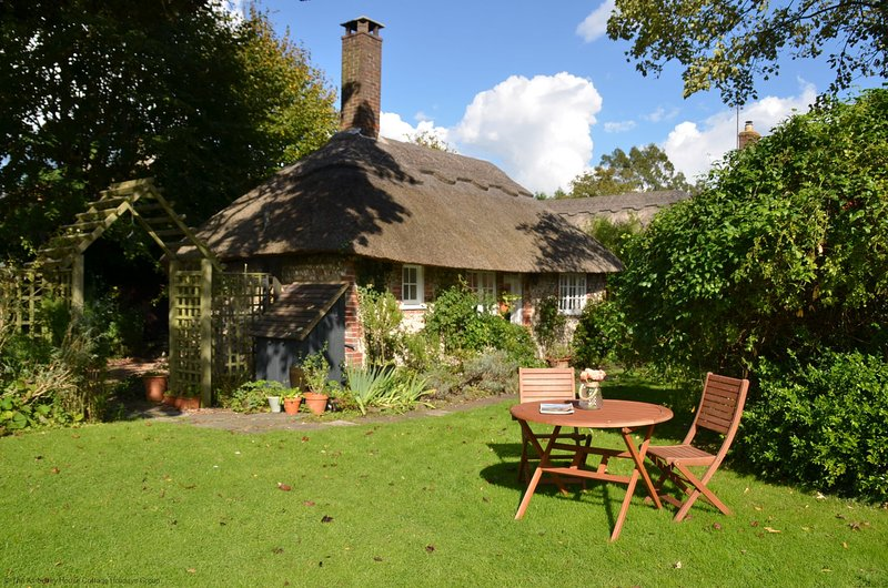 Martins Cottage, holiday rental in Fittleworth