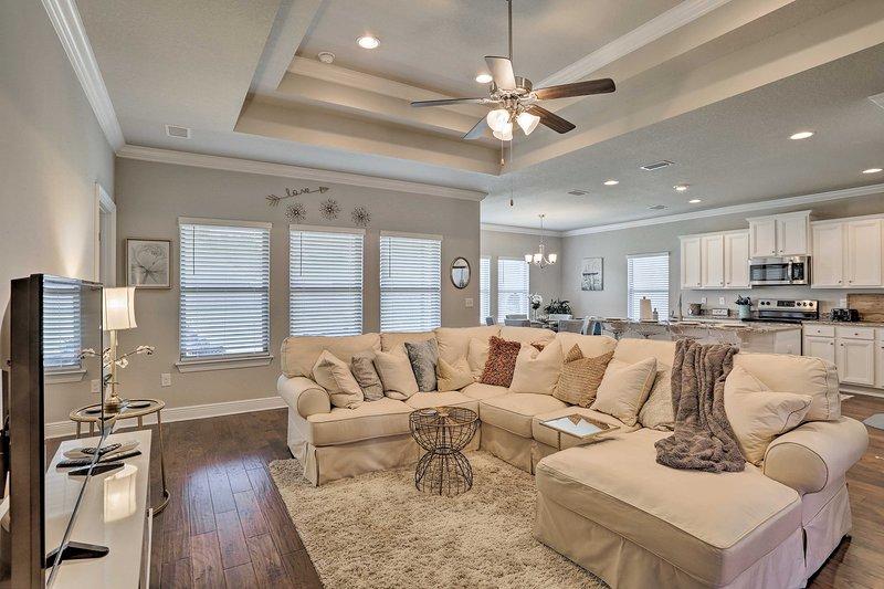 Completo di 3 camere da letto e 2 bagni, la casa ha spazio per 7!