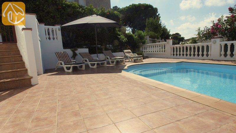 Lloret de Mar Villa Sleeps 6 with Pool and WiFi - 5245382, location de vacances à Mont Barbat