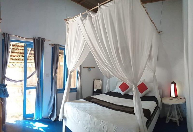 Blu Oceano B&B, Italian Restaurant, holiday rental in East Nusa Tenggara