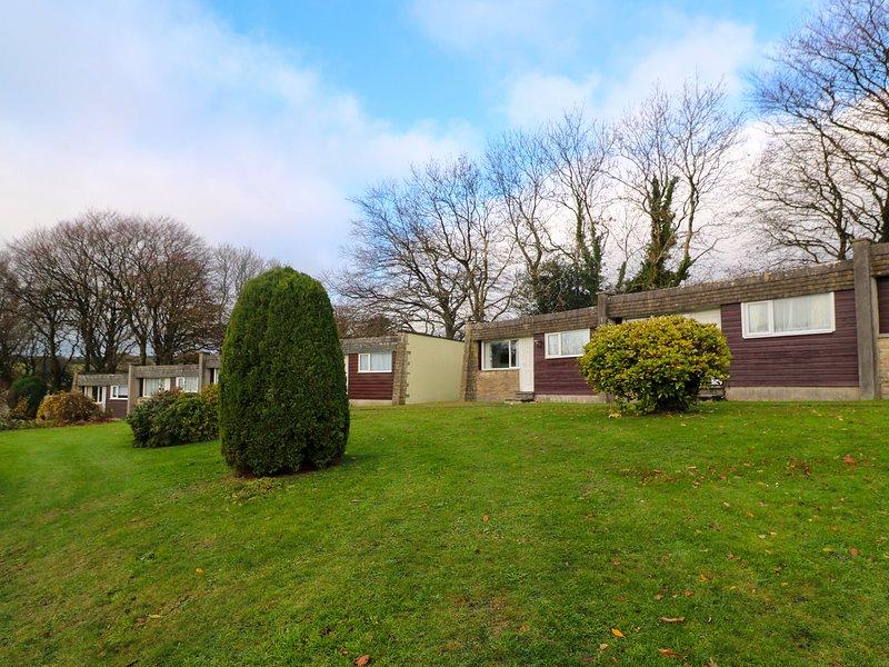 LANTEGLOS VILLA 19, 2 bedrooms, WiFi, Camelford, holiday rental in Treveighan