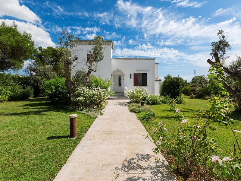 Stesi Villa Sleeps 6 with Pool - 5810193, holiday rental in Casarano