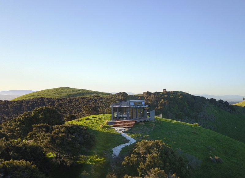 Atatū PurePod - luxurious glass eco-cabin in stunning & remote NZ location, vacation rental in Canterbury Region