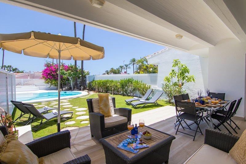 Villa in Pasito Blanco, 8pax, BBQ, POOL, WIFI, vacation rental in El Salobre