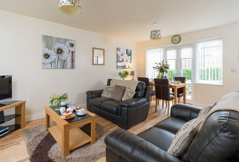 Sunny Corner Cottage, Filey, holiday rental in Reighton