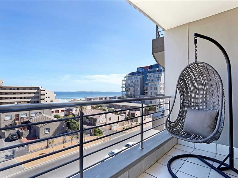 Atlantic Terraces 20 by CTHA, holiday rental in Bloubergstrand