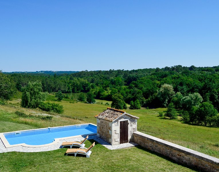 La Conne-de-Bergerac Villa Sleeps 10 with Pool - 5049639, holiday rental in Saint-Remy
