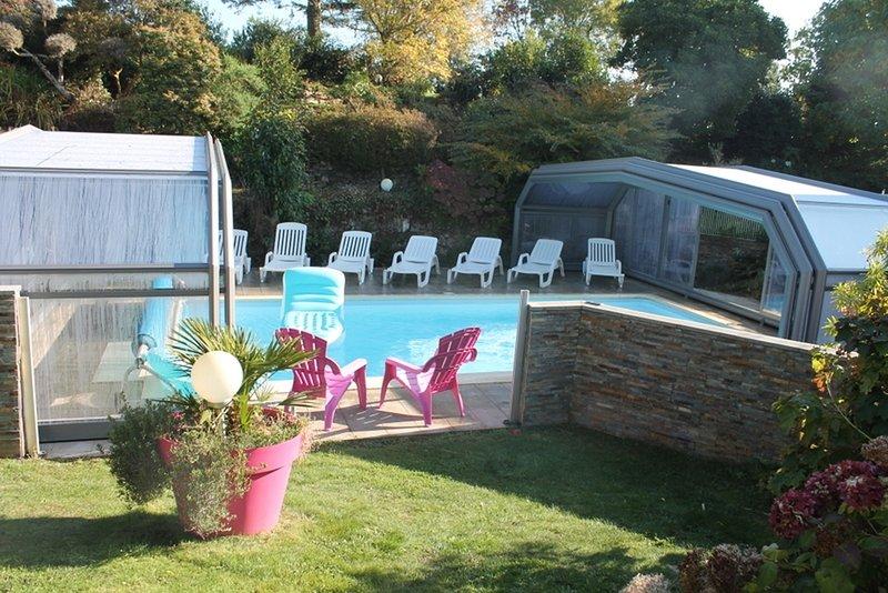 gites de kervillou piscine chauffée et couverte, holiday rental in Mahalon