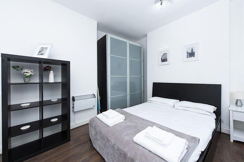 Soho Central Apartments F1, vacation rental in Borehamwood
