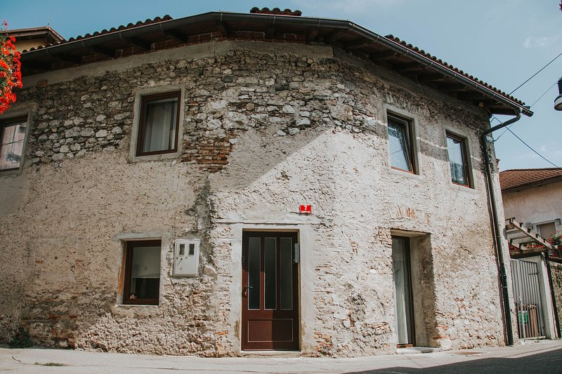 Hisa Gradnikova, 1850's stone house in the heart of the old town of Tolmin, holiday rental in Tolmin
