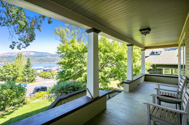 Stately House, vacation rental in Hood River