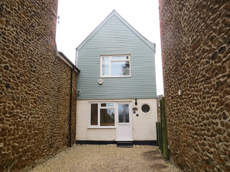 The Hideaway close to all amenities, holiday rental in Hunstanton