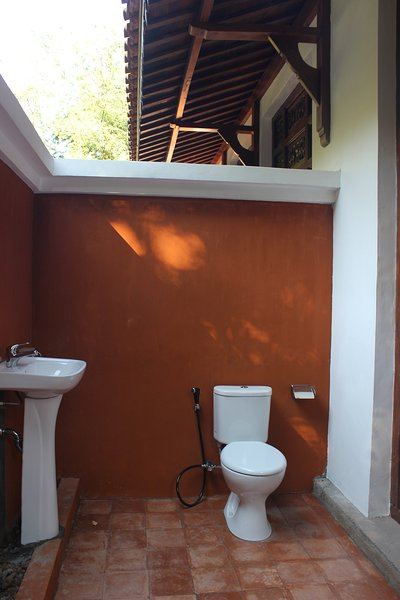 Laras Single Room, holiday rental in Sandik