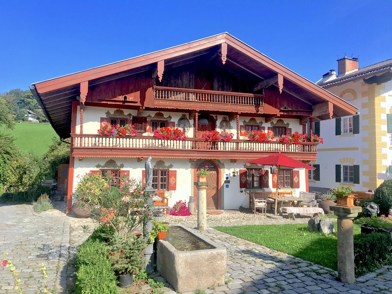 Das Schusterhäusl - Appartment MAX, holiday rental in Aschau Im Chiemgau