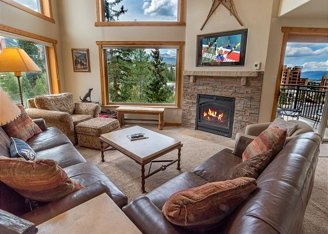 Powderhorn Penthouse Condo: Views, Easy Slope/Town Access!, vacation rental in Breckenridge