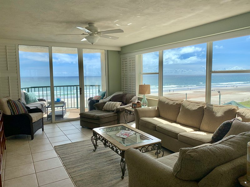 Relaxing gorgeous beach. Lots of room for family. On pristine barrier island., vacation rental in Ponce Inlet