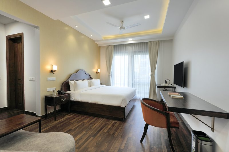 HYDEWEST INDIA - The Medicity - Astor Suite 3BHK Luxury Serviced Apartments, vacation rental in Gurugram (Gurgaon)