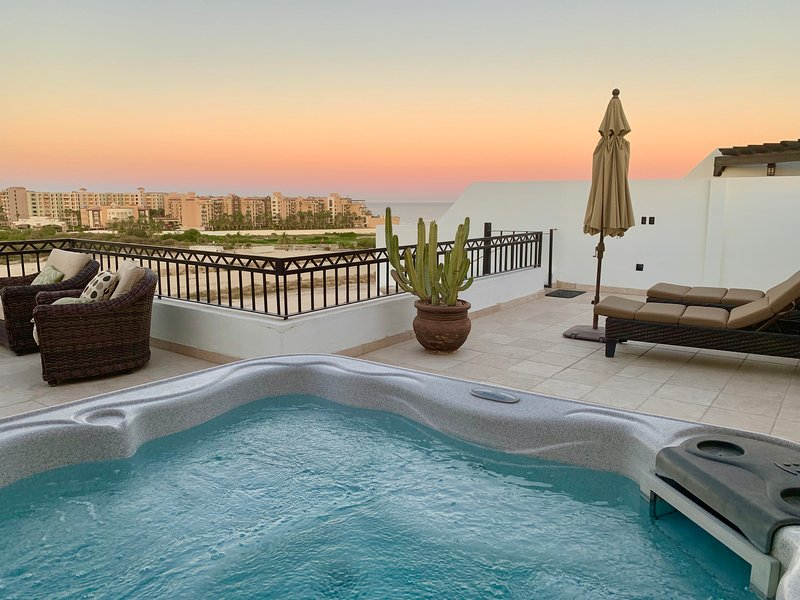 hot tub with spectacular view