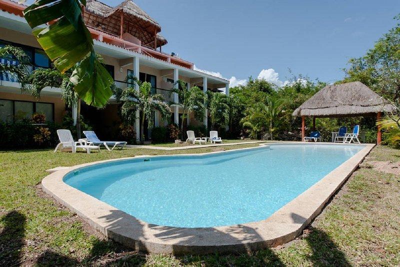 Ph de 2 Recmaras con Vista al Campo de Golf, Pet Friendly - Puerto Aventuras, location de vacances à Xpu-Ha