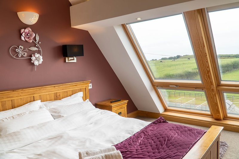 Primrose Cottage - Spacious two-bedroom family-friendly cottage with hot tub., vacation rental in Newton in Furness