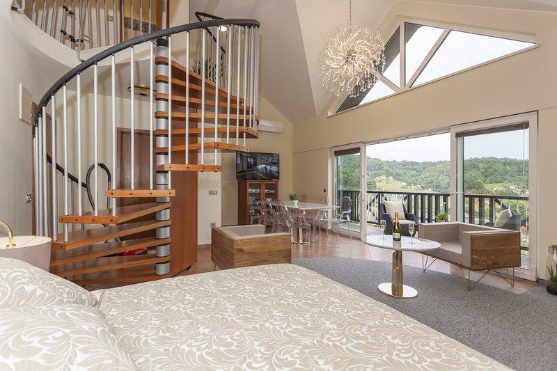 Duplex Penthouse Aparthotel Rosa, location de vacances à Smarje Pri Jelsah