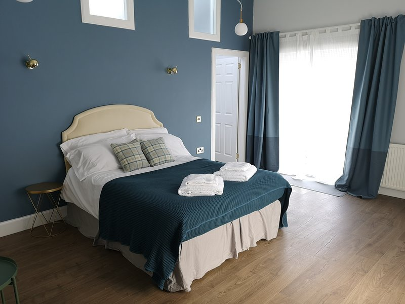 Stylish self contained studio flat 12min from Glasgow Airport – semesterbostad i Renfrewshire