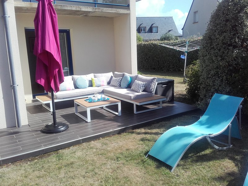 Amazing house with garden & terrace, vacation rental in Locmariaquer