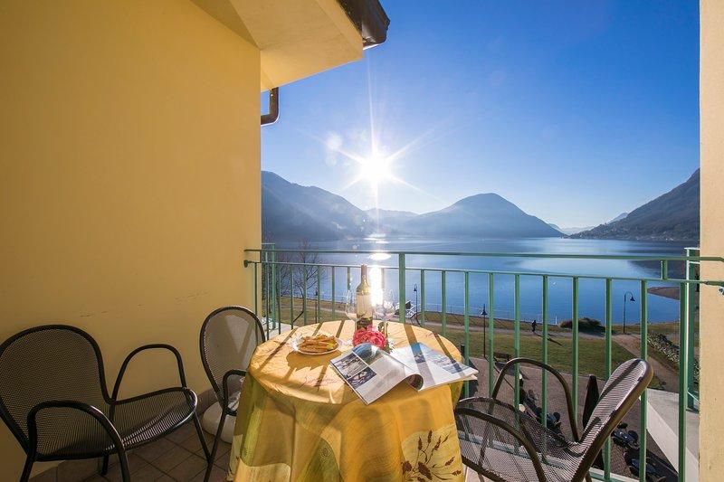Porto Letizia T11, vacation rental in Province of Como