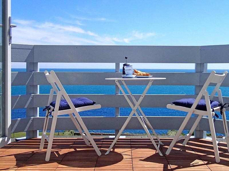 Las horas pueden irse relajando en este balcón