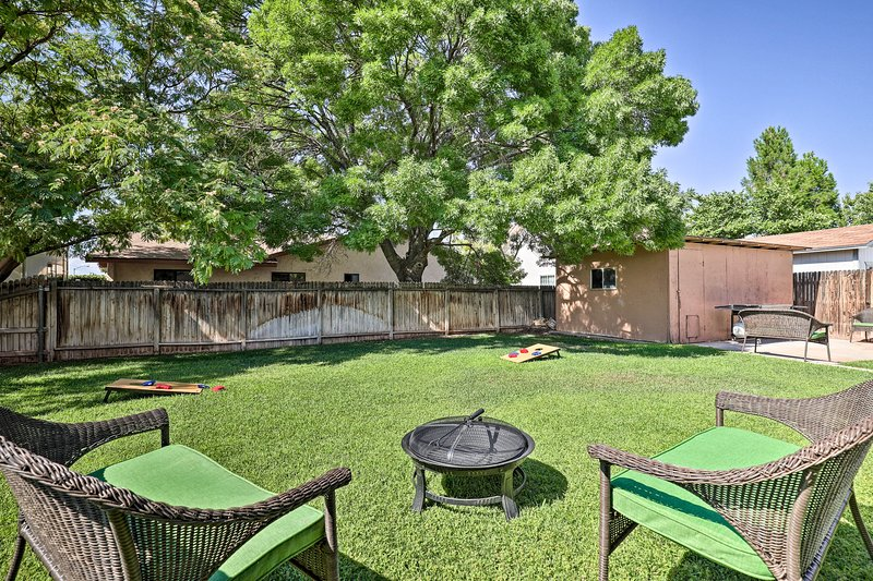 Home w/ Fire Pit Yard - 2.7 Mi to Lake Powell, vacation rental in Big Water