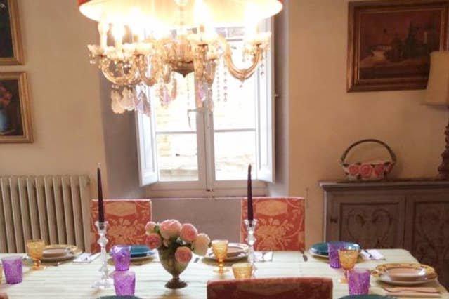 Spacious apartment in Reforzate, location de vacances à Fratte Rosa