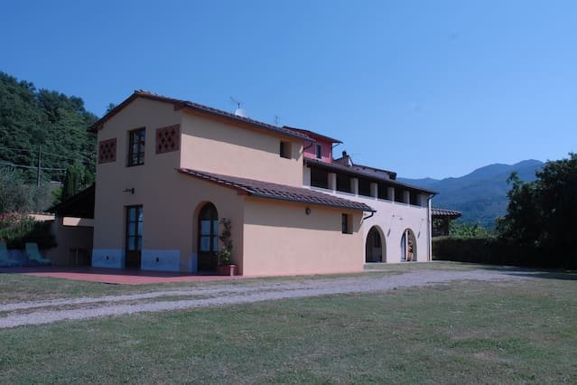 Nice house with mountain view, holiday rental in Cicogna