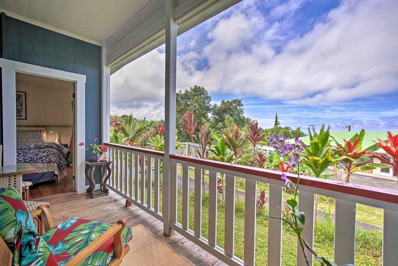Private Wing of Home, Mins to Ocean & Kona Coffee!, vacation rental in Kealakekua