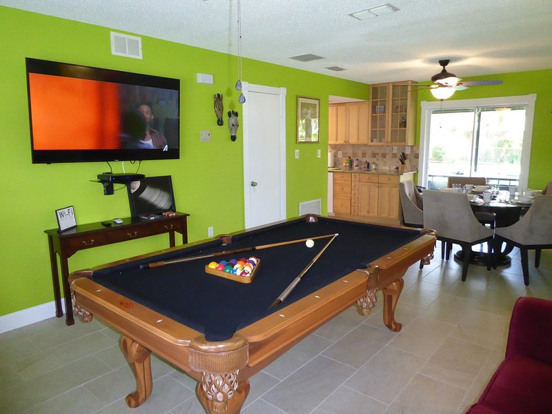 Orlando Area 3BR/2BA/2Ki nearby New City pool, Jacuzzi Disney Universal Daytona, location de vacances à Apopka