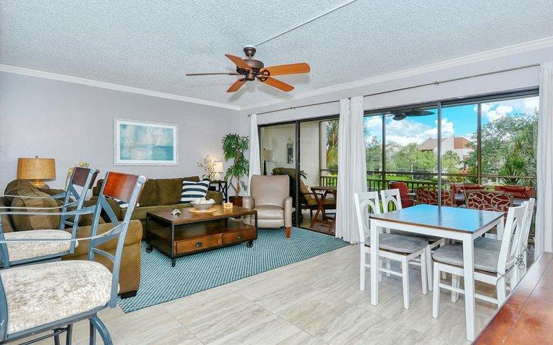 Firethorn 822 at Midnight Cove Siesta Key, FL., holiday rental in Sarasota