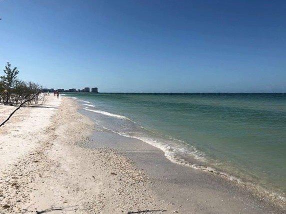 Cammina per le spiagge di Marco Island