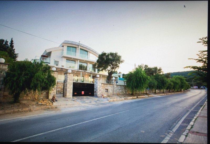 Luxurious villa with a private pool and sea view, location de vacances à Mordogan