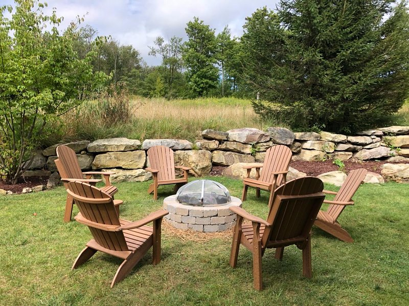 This fire pit is shared with the other half of the duplex on a first come, first serve basis.