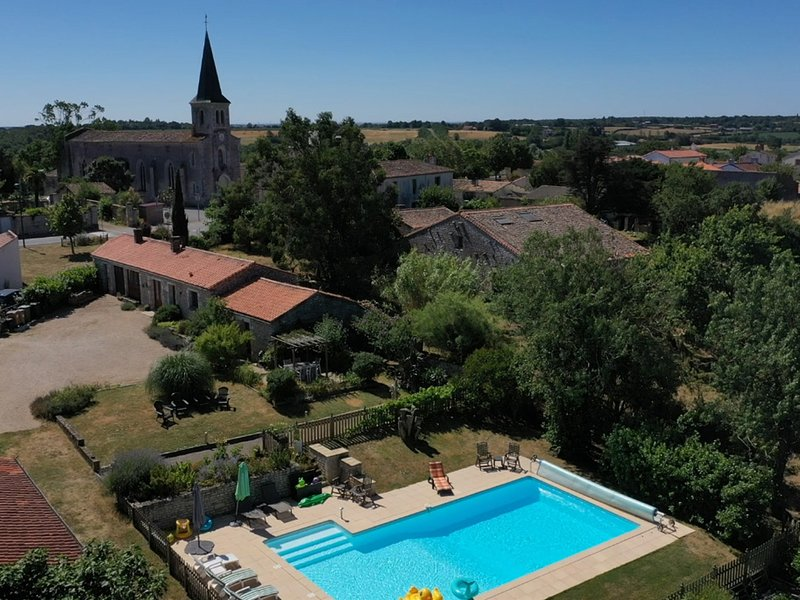 L'Ecurie Holiday Home, vacation rental in Vendee