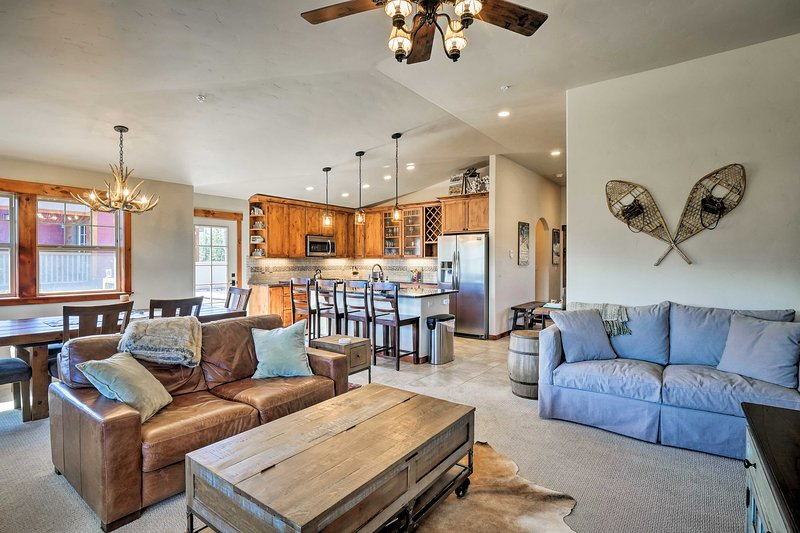 Experience Rocky Mountain luxury in this vacation rental condo in Winter Park.