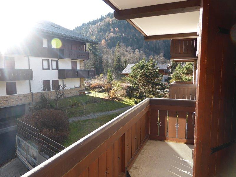 Maak een wandeling door dit prachtige gebied! (Uitzicht vanaf het balkon varieert).