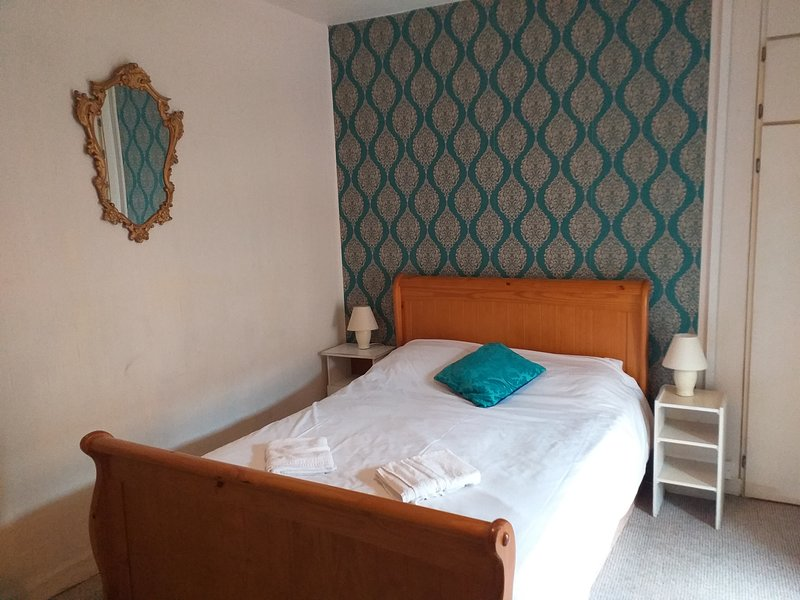 2 Bedroom House Wexford Town, holiday rental in Killinick