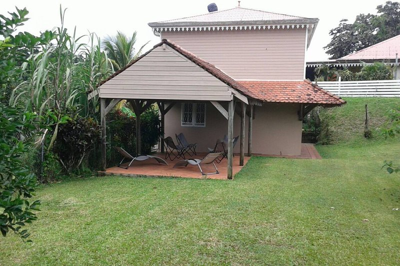 Beautiful house with garden & Wifi, casa vacanza a Marigot