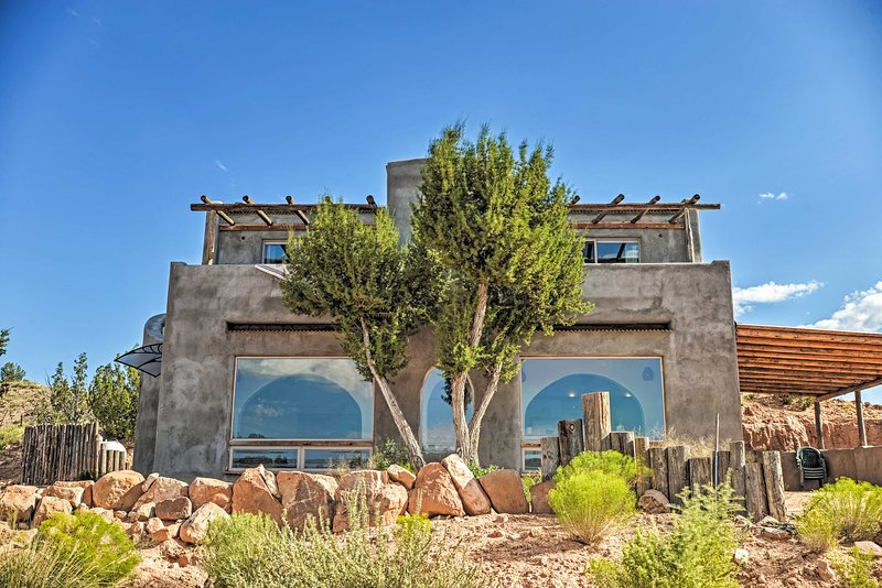 Secluded San Ysidro House w/ Desert Views!, holiday rental in Jemez Springs